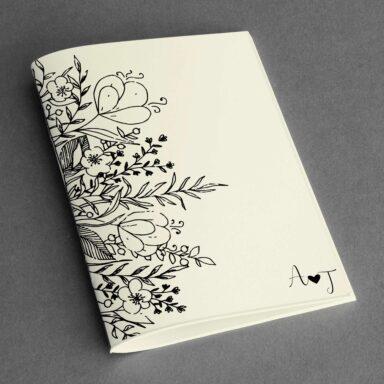 Copertina libretto messa con iniziali e decorazione floreale su carta Twill Avorio