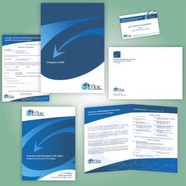 Kit per evento S3Log: cartellina e brochure istituzionale, programma, with compliments, busta, manifesto, badge