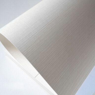 Valentinoise: carta moderna con goffratura telata